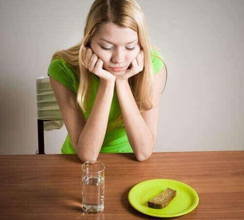 Bệnh sùi mào gà kiêng ăn gì?